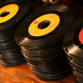家にレコードやカセットテープ眠ってませんか?